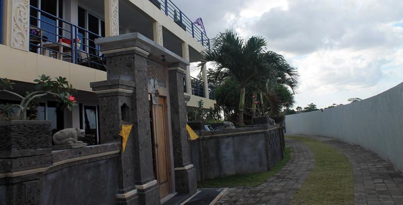 nyoman-beach-house-pic2